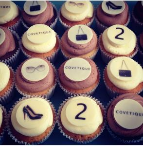 branded cupcakes london, logo cupcakes london