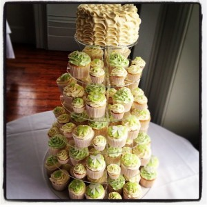 wedding cupcakes ivory green 1